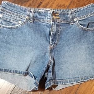 OLD NAVY JEAN SHORTS A178